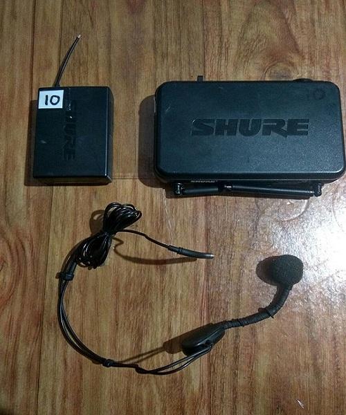 Sewa Headset Shure SVX di Jakarta Timur