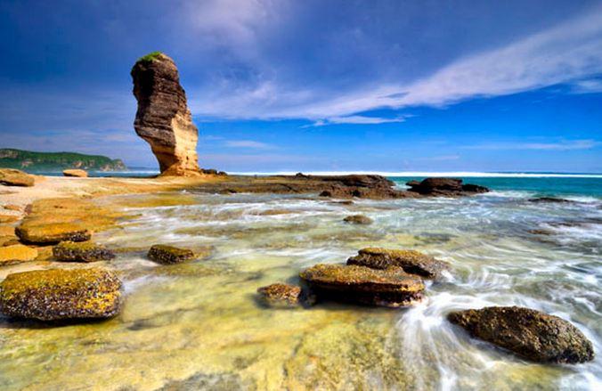 Tempat Wisata Budaya dan Pantai Di Pulau Lombok