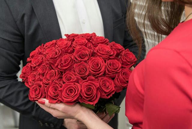 Co warto wiedzieć o kwiatach i ich wręczaniu?