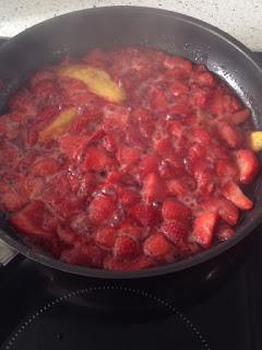 Compota de fresas al principio