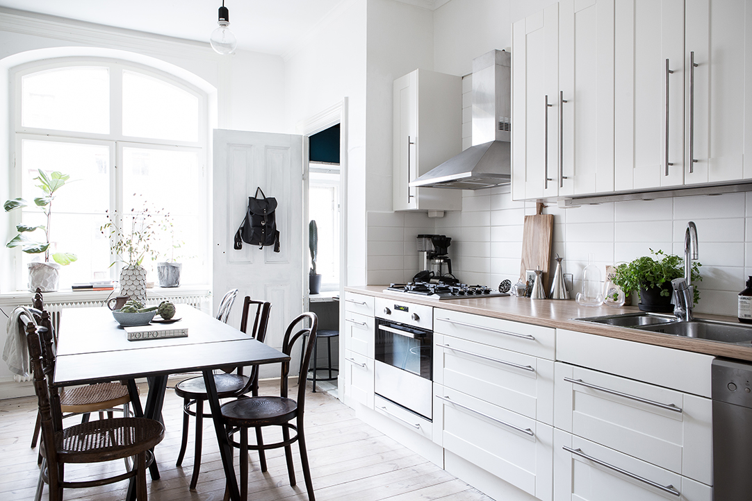 biała kuchnia, kuchnia w stylu skandynawskim, jasna kuchnia