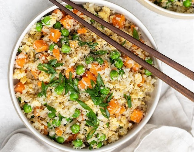 Healthy Vegan Cauliflower Fried Rice #vegan #dinner
