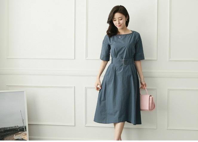 Lựa chọn những mẫu váy đẹp cho chị em phụ nữ gầy và cao