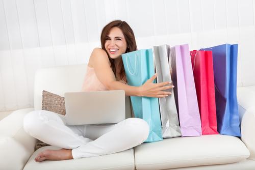 kenapa wanita sering membeli barang baru