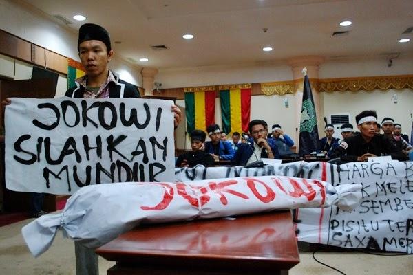 Yudi Syamhudi: Selamat Berpuasa Pak Jokowi, Semoga Bapak Sadar Untuk Mengundurkan Diri