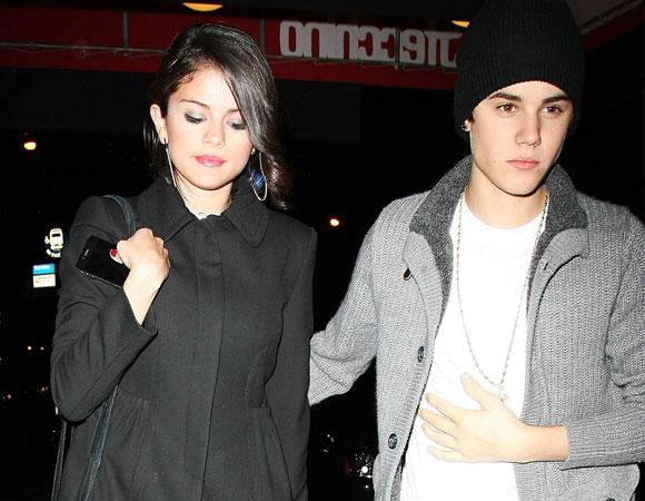 Selena Gomez ao lado de Justien Bieber como Casal