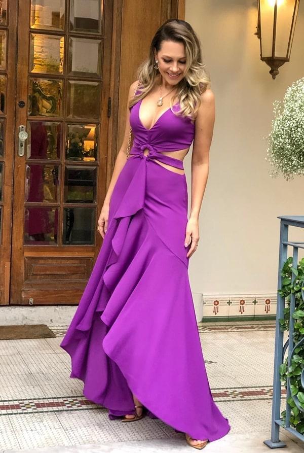 vestido longo fucsia violeta para casamento durante o dia
