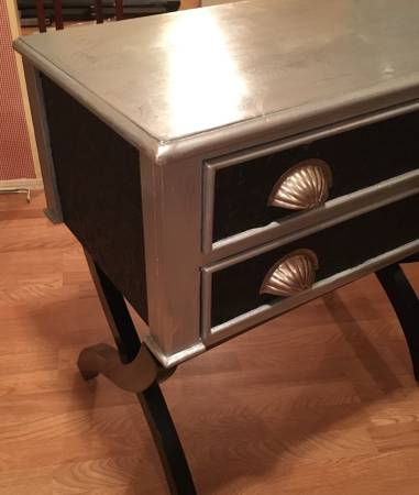 Painted accent table - OKC Craigslist Garage Sales