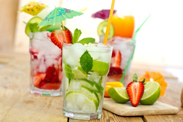 http://www.merakilane.com/mocktails-done-right-15-non-alcoholic-drinks-we-love/