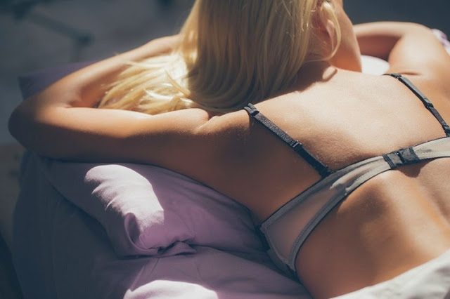 How to sleep properly in a bra to keep your breasts in shape
