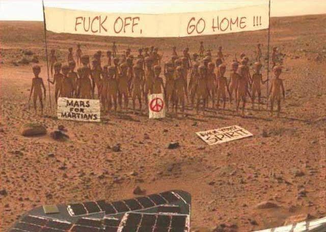 MARTE: la seconda foto inviata dal Lander Insight e le vignette divertenti del Pianeta Rosso.