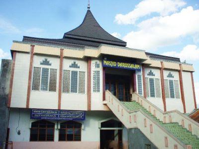 masjid-darussalam-muaradua-karya-amril-bustami