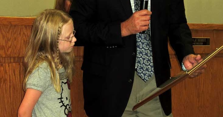 Jim young reporter third grader victoria mccloud mes for Park place motors crossville tn