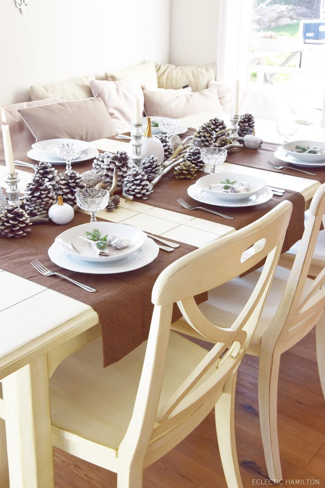 winterlich festliche tischdeko mit naturmaterialien. Black Bedroom Furniture Sets. Home Design Ideas