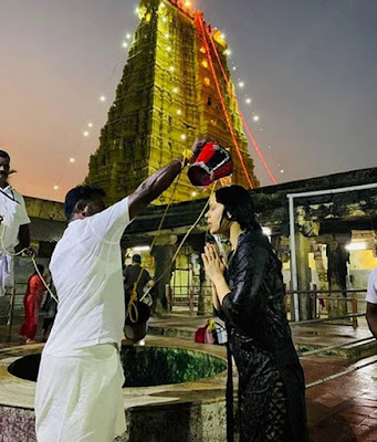 Bollywood-Heroin-Kangana-Ranaut-Turns-as-Devotional-Andhra-Talkies