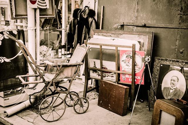 Изобретение и история детской коляски