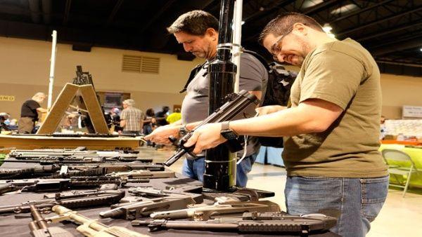 70% de los crímenes en México se cometen con armas de EE.UU.