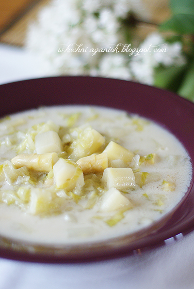 Zupa szparagowa z sałatą