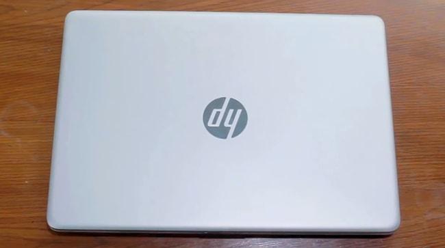 All plastic build of HP 14 DK0093AU laptop.