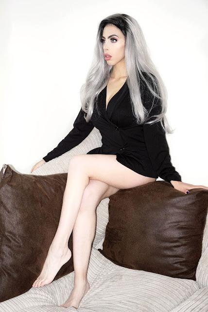 Fashion blogger Savana Rae wearing the Femme Luxe Black Blazer Double Breasted Mini Dress in model Chloe