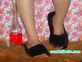 Sandal Bulu Model Selop, Sandal Selop Dari Bulu