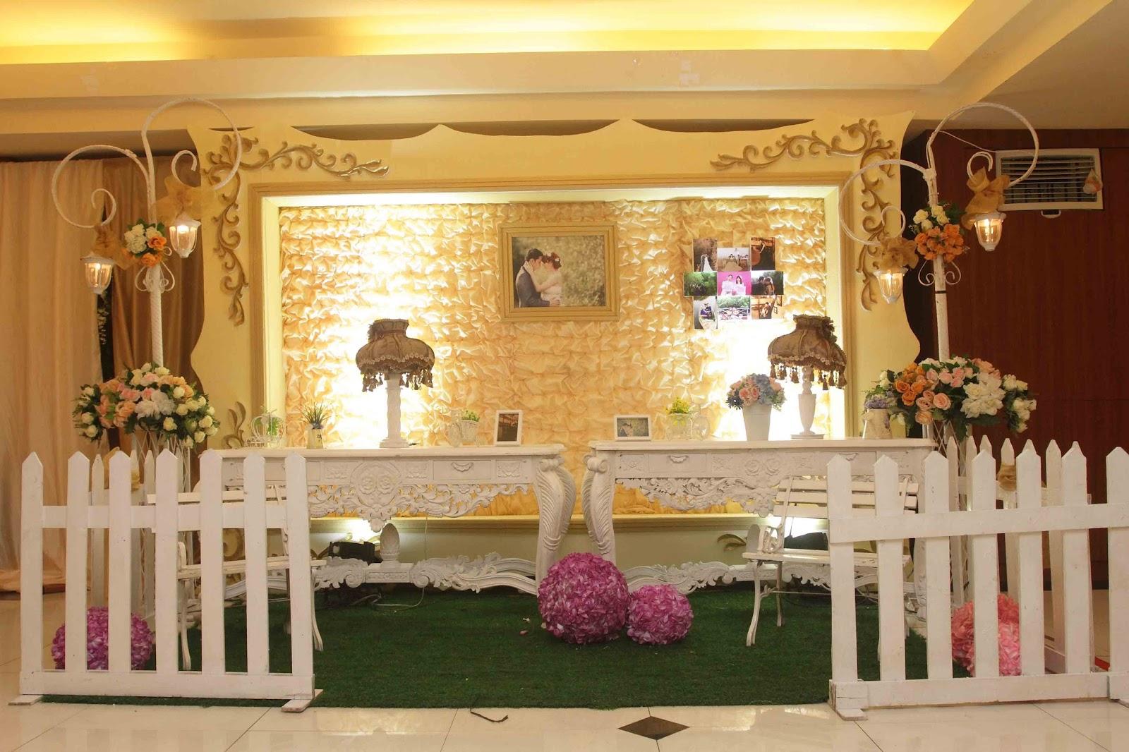 Dekorasi Pernikahan Model Perdesaan (seulaspena.wordpress.com)