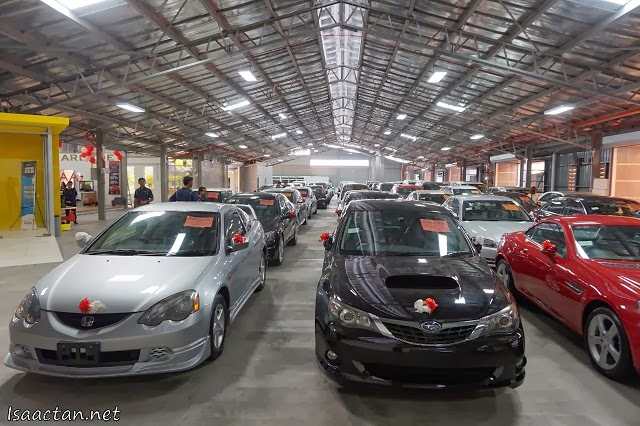 The cars were lined up from one end to the other, meeting all your needs for any price range