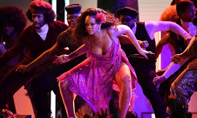 Download Rihanna Wild Thoughts Live at Grammy's 2018