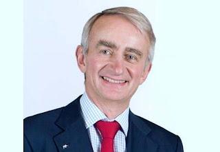 président du groupe AXA Denis Duverne