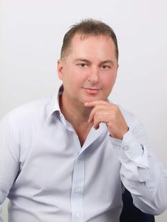 Φαβορί του ΚΙΝ.ΑΛ ο υποψήφιος βουλευτής της Βόρειο Ανατολικής Αττικής Γιάννης Ορφανίδης.