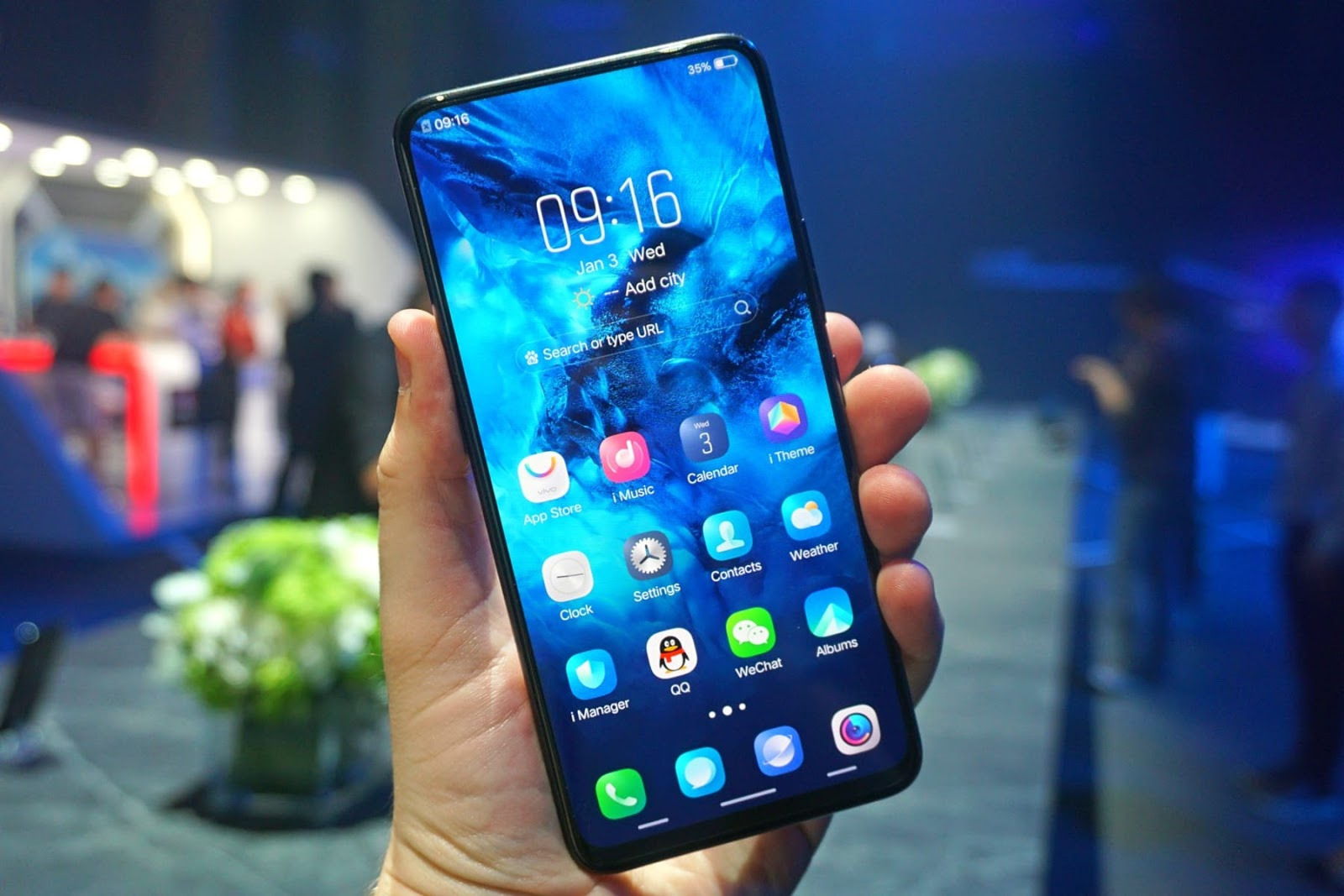 Low-cost Samsung smartphones will make users jump in delight