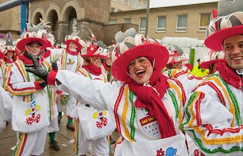 NEWS | A rota da folia: o tradicional carnaval ao longo do rio Reno na Alemanha