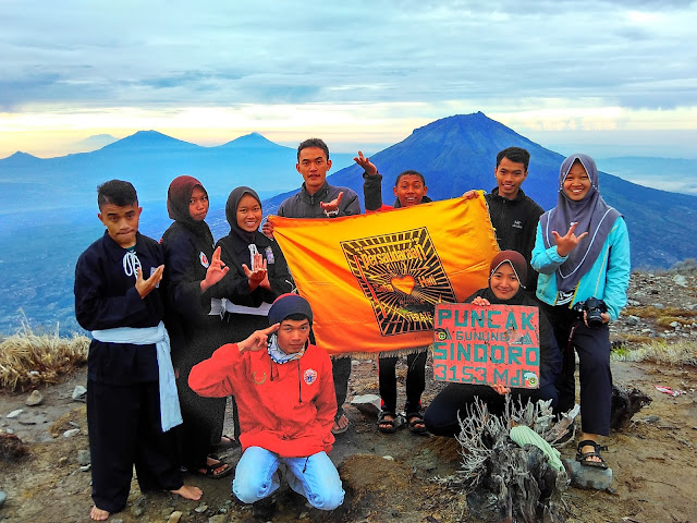 gunung sindoro   puncak sindoro   silat psht   wonderful Indonesia