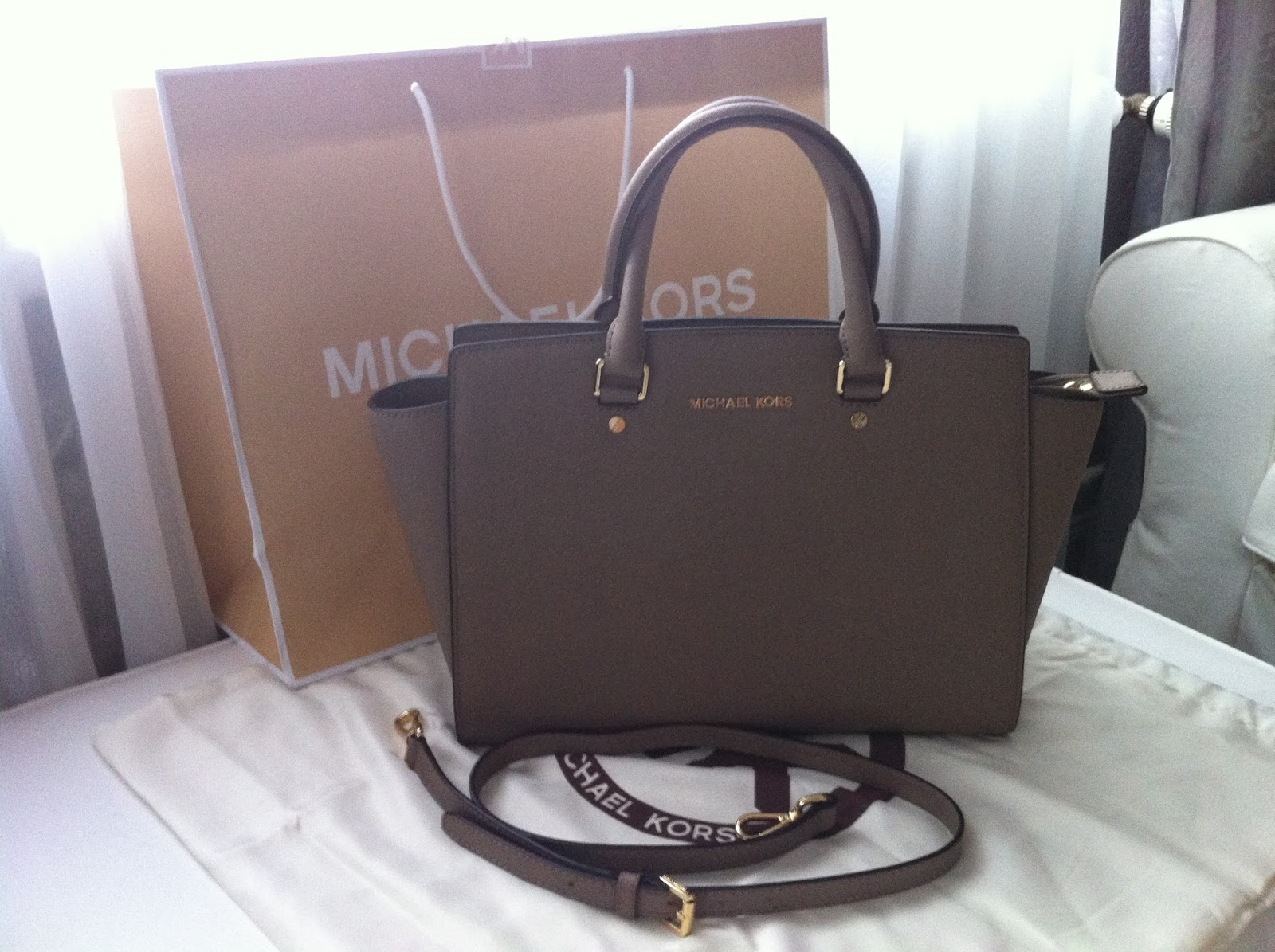 royal classy bag love die neue michael kors selma. Black Bedroom Furniture Sets. Home Design Ideas