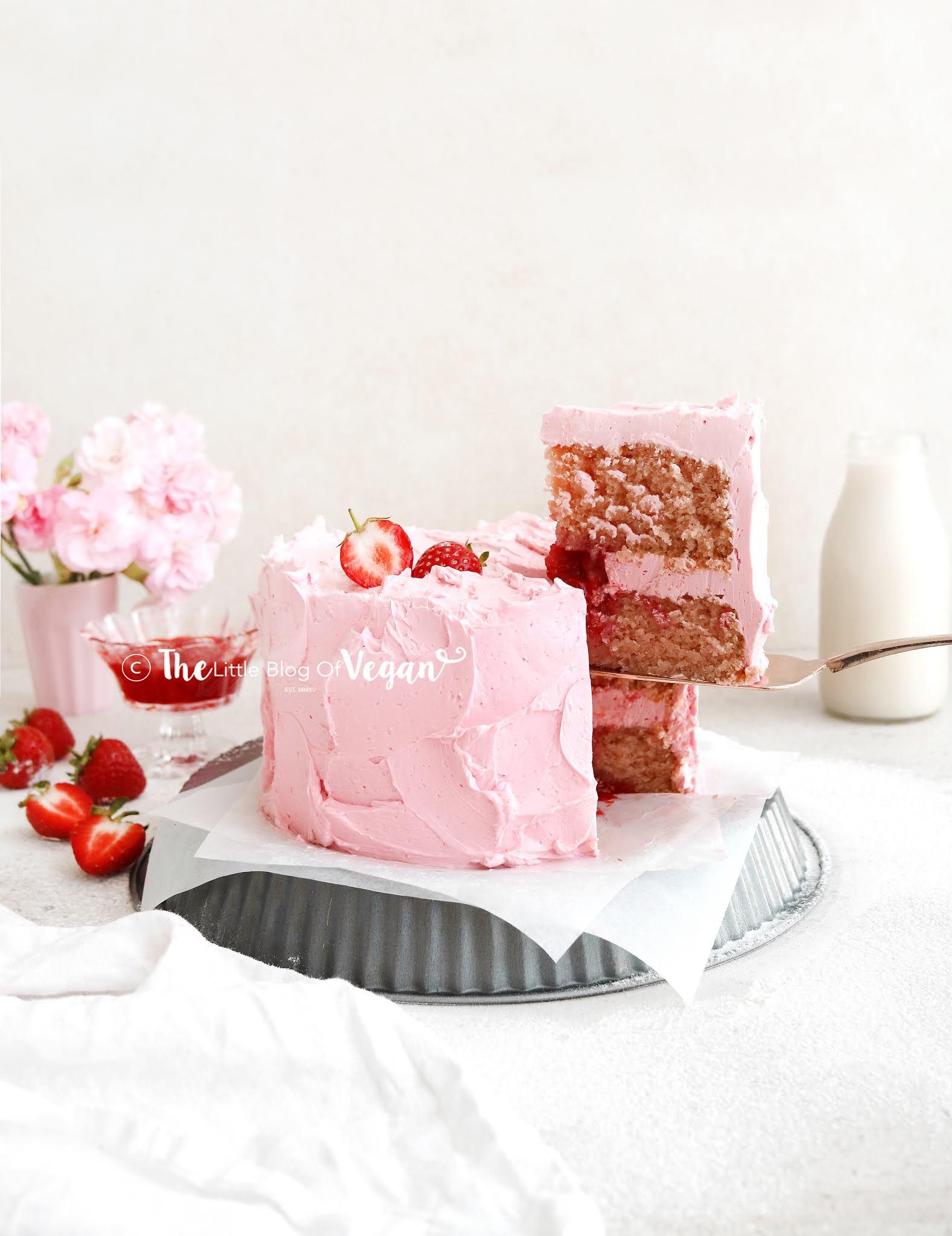 pink-strawberry-cake