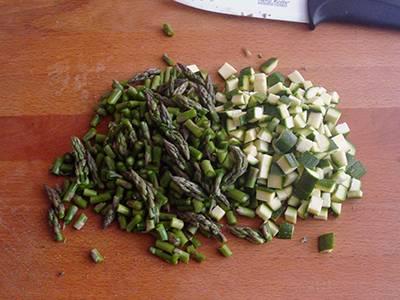 Insalata di quinoa con asparagi e zucchine 2