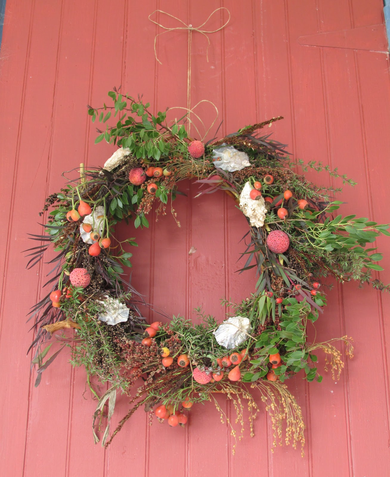 Everything Coastal....: A Festive Oyster Wreath