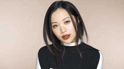 Michelle Phan جمال البيتكوين