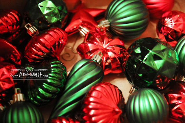 Spray Paint Plastic Ornaments to Change Up the Holiday Look Bliss-Ranch.com