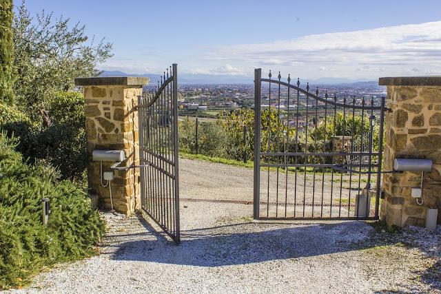 cancello-automatico-apertura-ad-anta