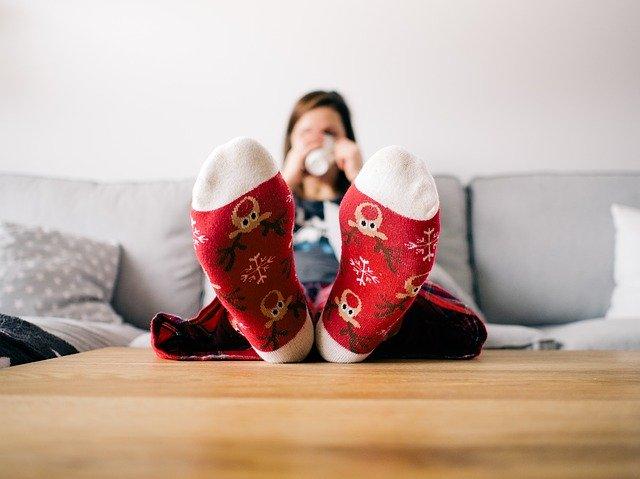 Tips Mempertahankan Energi Positif Saat di Rumah