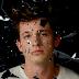 O amor perigoso e sangrento de Charlie Puth em 'Dangerously'