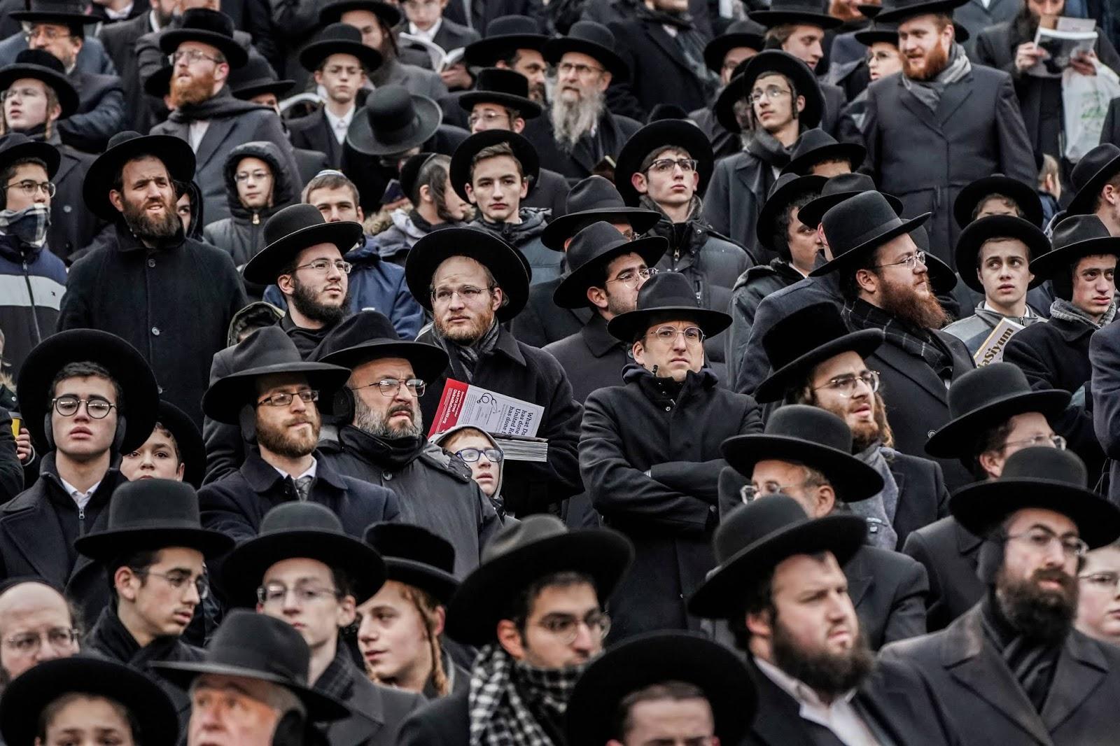 Tak Peduli Corona, Sekte Yahudi Ini Lakukan Doa Bersama