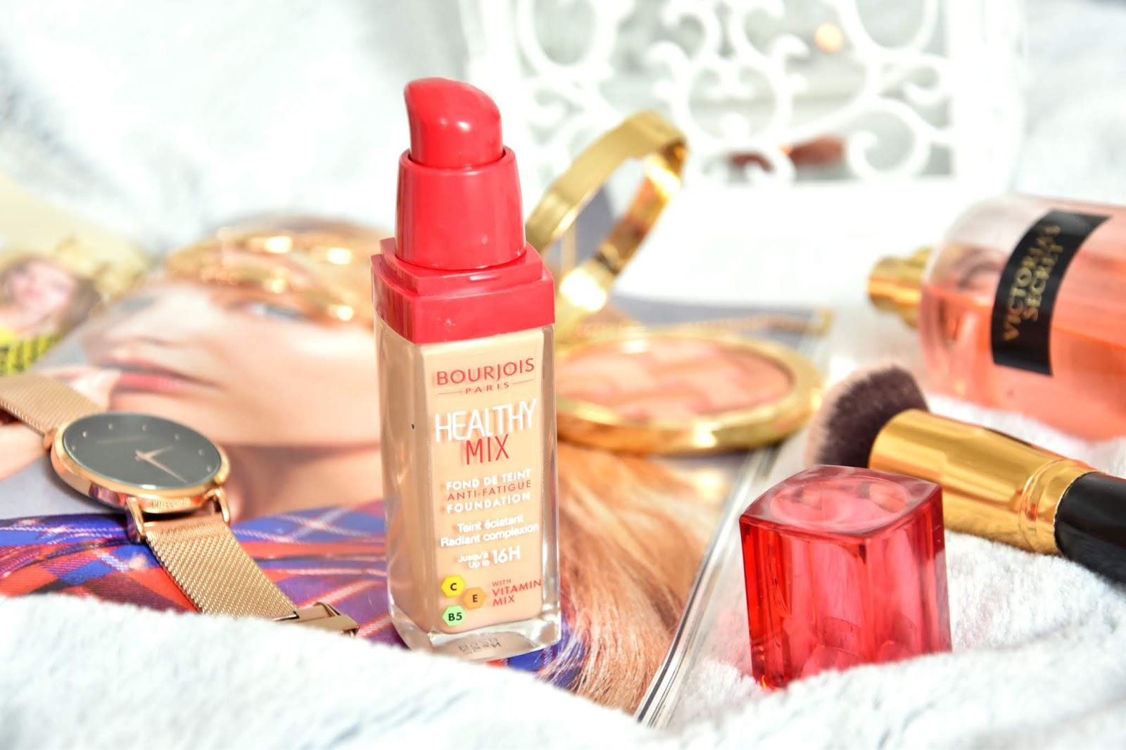 OdporučiťZdieľaťStrážiť BOURJOIS PARIS HEALTHY MIX ANTI-FATIGUE FOUNDATION