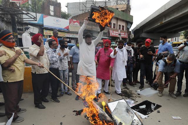 Demo Anti-China Merebak di India, Produk Buatan China Dirusak