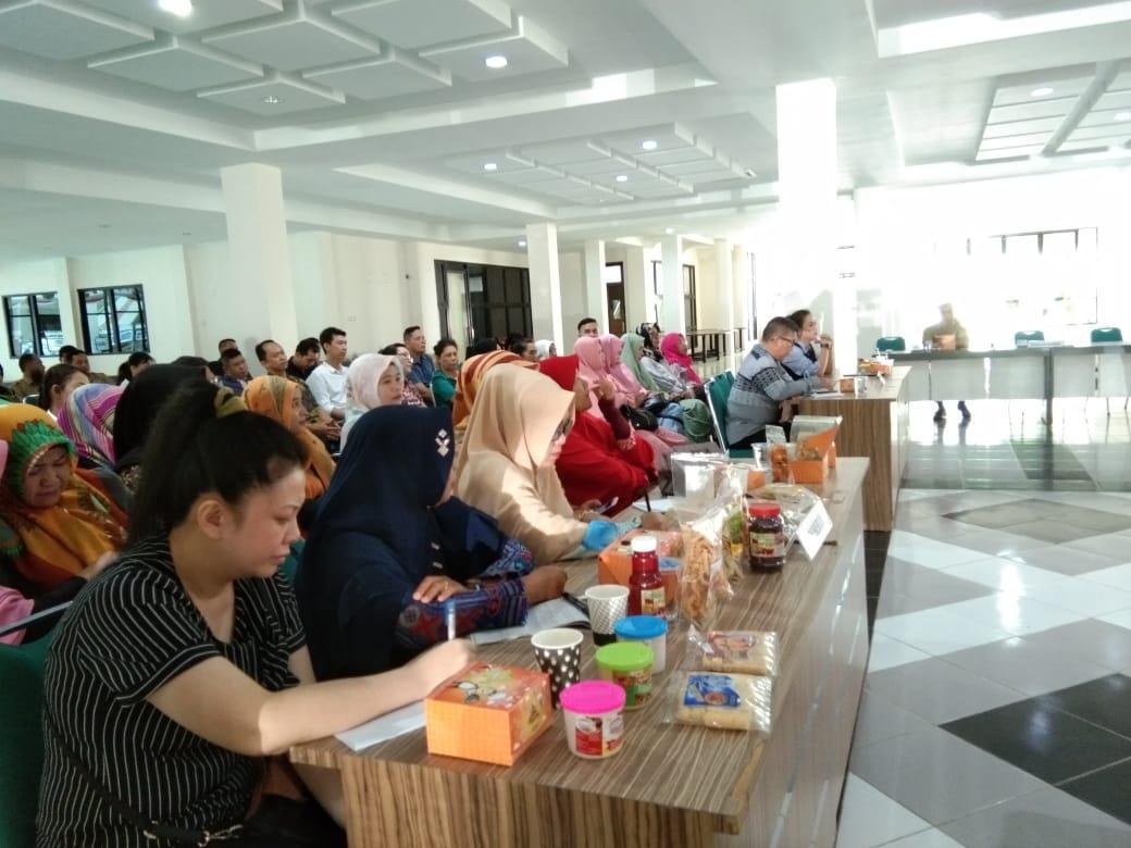 Pengusaha Kuliner Di Singkawang Ikuti Sosialisasi Halal