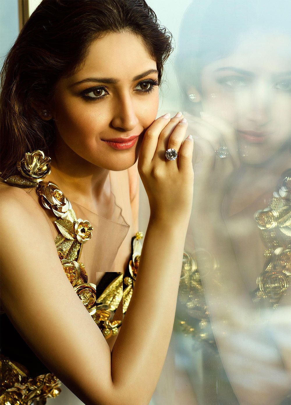 'Shivaay' actress Sayyeshaa Saigal Full HD Photos, PhotoShoot & Wallpapers