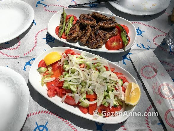 Sutüven kır lokantasında köfte, Hasan Boğuldu Kazdağı milli parkı