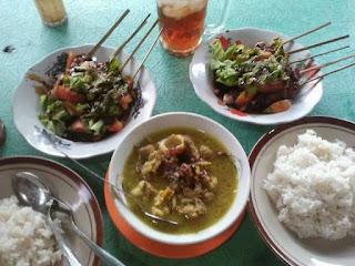 sate dan sop kambing di Warung Sate Kang Maman Depan Detta Marina
