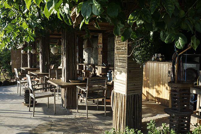 Cafe Whaleys di Bukit Love Karimunjawa